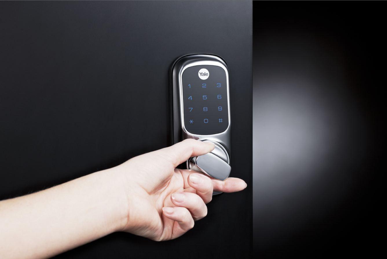 Yale Keyless Digital Door Lock & Yale Digital Lock - Secure Keyless Door Lock - Lockcentre.com